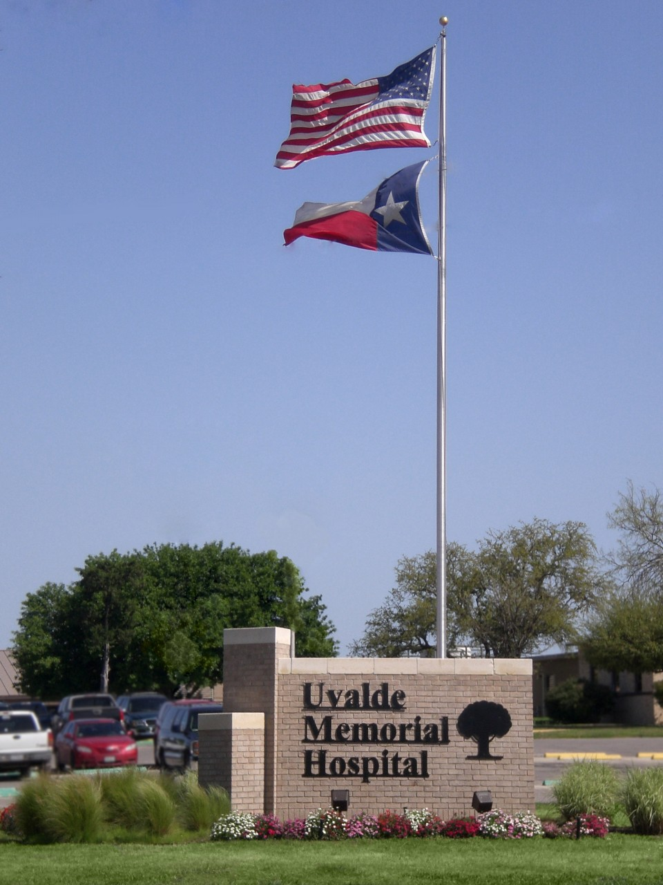 UMH Flagpole Sign-2010.JPG